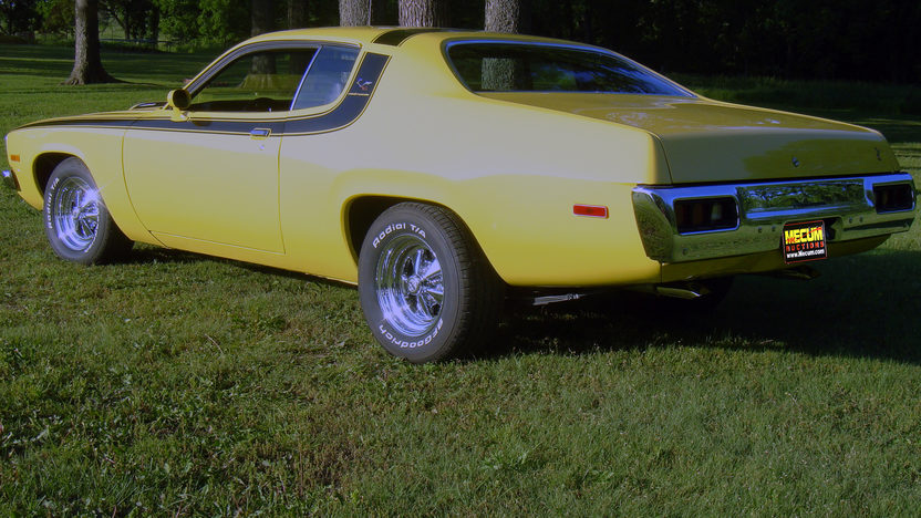 1974 Plymouth Road Runner 400 CI, Automatic presented as lot F74 at Kansas City, MO 2011 - image2