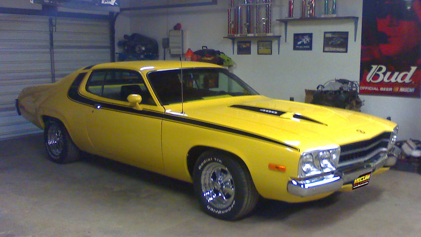1974 Plymouth Road Runner 400 CI, Automatic presented as lot F74 at Kansas City, MO 2011 - image5