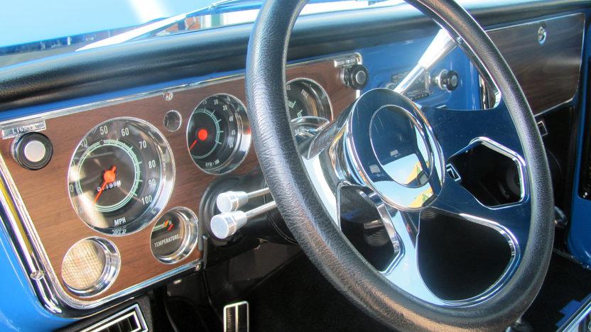 1972 Chevrolet Dually 4x4 Pickup 350/350 HP, Automatic presented as lot F80 at Kansas City, MO 2011 - image5