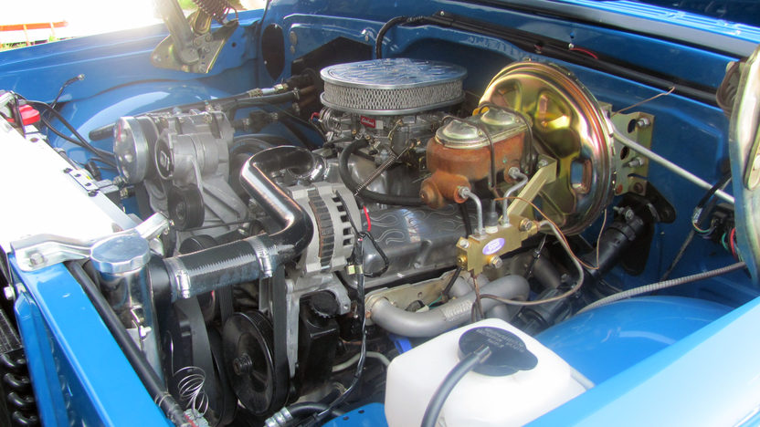 1972 Chevrolet Dually 4x4 Pickup 350/350 HP, Automatic presented as lot F80 at Kansas City, MO 2011 - image7