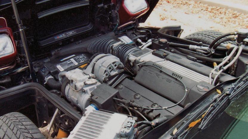 1995 Chevrolet Corvette Convertible LT1, Automatic presented as lot F87 at Kansas City, MO 2011 - image5