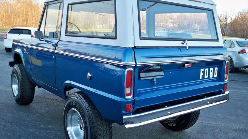 1974 Ford Bronco 4x4 302 CI, Automatic presented as lot F101 at Kansas City, MO 2011 - image7