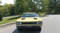 1969 Dodge Super Bee 2-Door Sedan 383/335 HP, 4-Speed presented as lot F107 at Kansas City, MO 2011 - thumbail image5