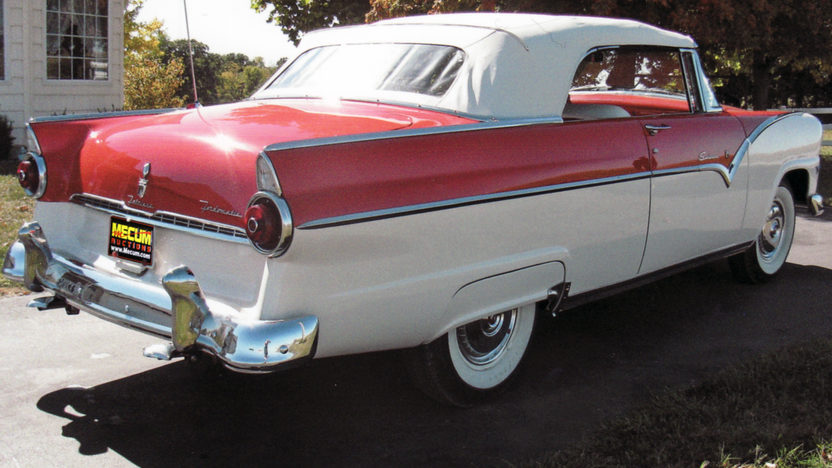 1955 Ford Sunliner Convertible 272 CI, Automatic presented as lot F119 at Kansas City, MO 2011 - image11