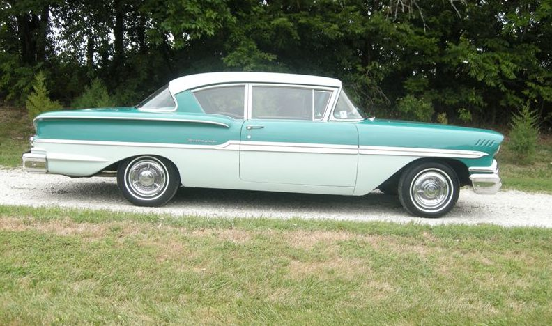 1958 Chevrolet Biscayne 2-Door Sedan presented as lot F127 at Kansas City, MO 2011 - image2