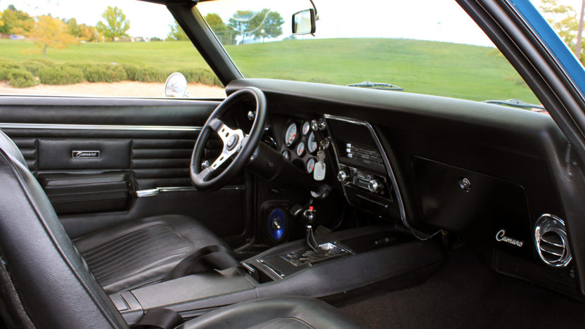 1968 Chevrolet Camaro Coupe 383/394 HP, 5-Speed presented as lot F130 at Kansas City, MO 2011 - image5