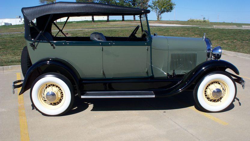 1928 Ford Model A Phaeton 200 CI, 3-Speed presented as lot F151 at Kansas City, MO 2011 - image3