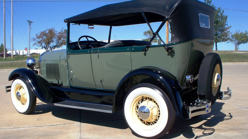 1928 Ford Model A Phaeton 200 CI, 3-Speed presented as lot F151 at Kansas City, MO 2011 - image4