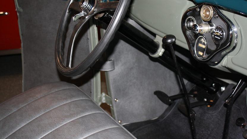 1928 Ford Model A Phaeton 200 CI, 3-Speed presented as lot F151 at Kansas City, MO 2011 - image5