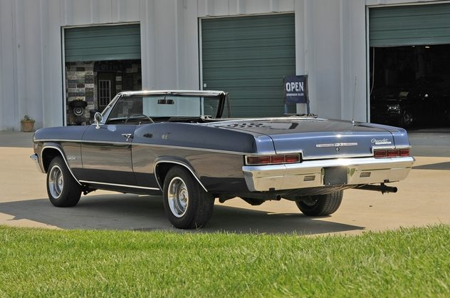 1966 Chevrolet Impala SS Convertible 396 CI, Automatic presented as lot F156 at Kansas City, MO 2011 - image2