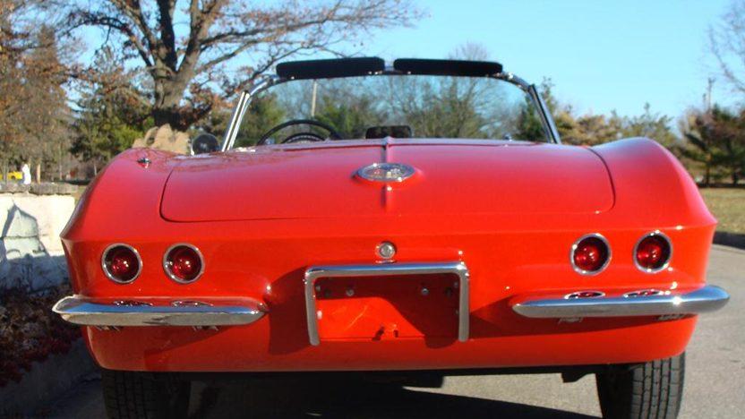 1962 Chevrolet Corvette Convertible presented as lot F160 at Kansas City, MO 2011 - image5