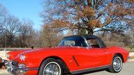 1962 Chevrolet Corvette Convertible presented as lot F160 at Kansas City, MO 2011 - thumbail image8