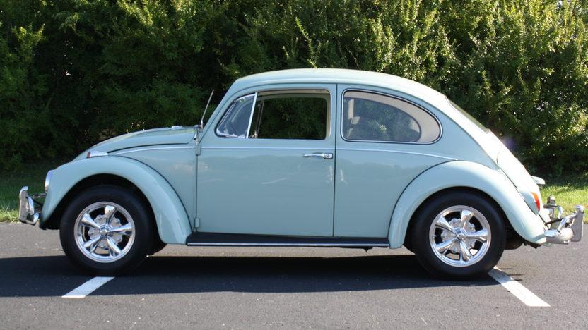 1967 Volkswagen Beetle 149/53 HP, 4-Speed presented as lot F163 at Kansas City, MO 2011 - image3