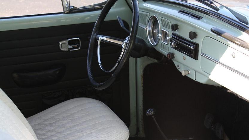 1967 Volkswagen Beetle 149/53 HP, 4-Speed presented as lot F163 at Kansas City, MO 2011 - image4