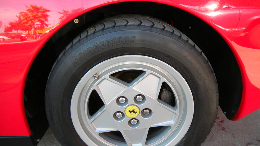 1990 Ferrari Testarossa 4.9L, 5-Speed presented as lot F165 at Kansas City, MO 2011 - image7
