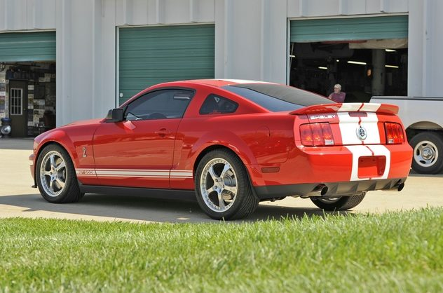 2007 Ford Mustang 5.7/590 HP, 6-Speed presented as lot F169 at Kansas City, MO 2011 - image6
