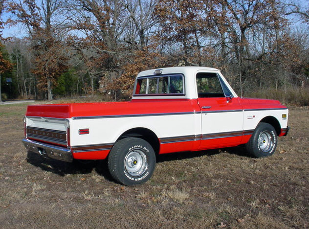 1972 Chevrolet Cheyenne Super Pickup 402/300 HP, Automatic presented as lot F170 at Kansas City, MO 2011 - image3
