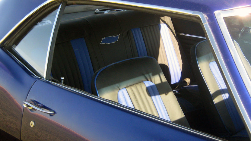 1968 Chevrolet Camaro Resto Mod 454 CI, Automatic presented as lot F173 at Kansas City, MO 2011 - image4