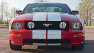 2005 Ford Mustang GT 4.6/300 HP, 5-Speed presented as lot F194 at Kansas City, MO 2011 - thumbail image8