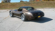 1976 Chevrolet Corvette Coupe L82, 4-Speed presented as lot F202 at Kansas City, MO 2011 - thumbail image2