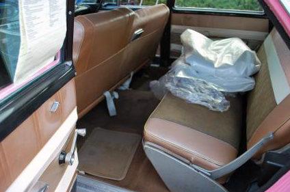 1960 Plymouth Fury Wagon 317 CI, Automatic presented as lot F203 at Kansas City, MO 2011 - image6