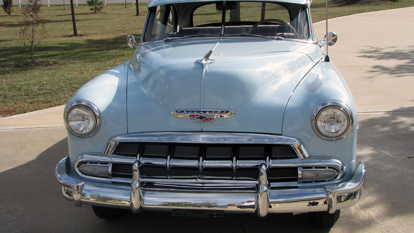 1952 Chevrolet Deluxe 3-Speed presented as lot F208 at Kansas City, MO 2011 - image2