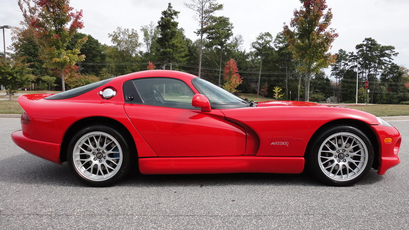 2000 Dodge Viper ACR Coupe V10, 6-Speed presented as lot F210 at Kansas City, MO 2011 - image4
