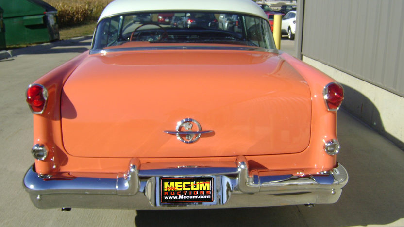 1955 Oldsmobile Holiday 88 2-Door Hardtop 324 CI, Automatic presented as lot F211 at Kansas City, MO 2011 - image2