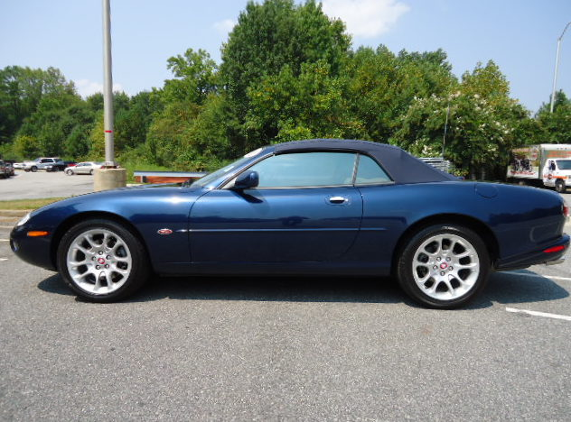 2001 Jaguar XKR Convertible presented as lot F213 at Kansas City, MO 2011 - image2
