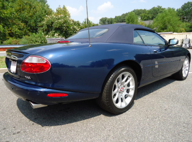 2001 Jaguar XKR Convertible presented as lot F213 at Kansas City, MO 2011 - image6