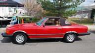 1984 Mercedes-Benz 380sl Convertible Automatic presented as lot F219 at Kansas City, MO 2011 - thumbail image7