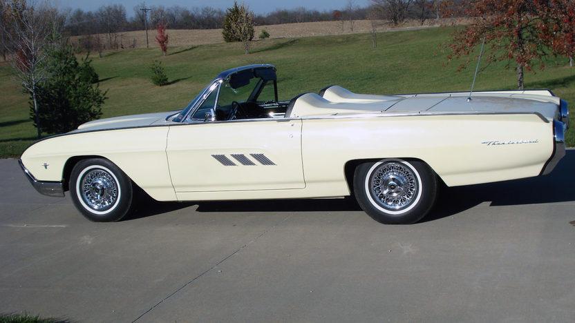 1963 Ford Thunderbird Convertible 390/300 HP, Automatic presented as lot F230 at Kansas City, MO 2011 - image2
