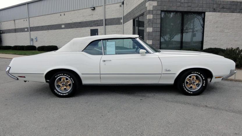 1972 Oldsmobile Cutlass 350 CI, Automatic presented as lot F231 at Kansas City, MO 2011 - image2