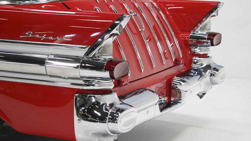 1957 Pontiac Star Chief Safari Wagon 428 CI, Automatic presented as lot F232 at Kansas City, MO 2011 - image3