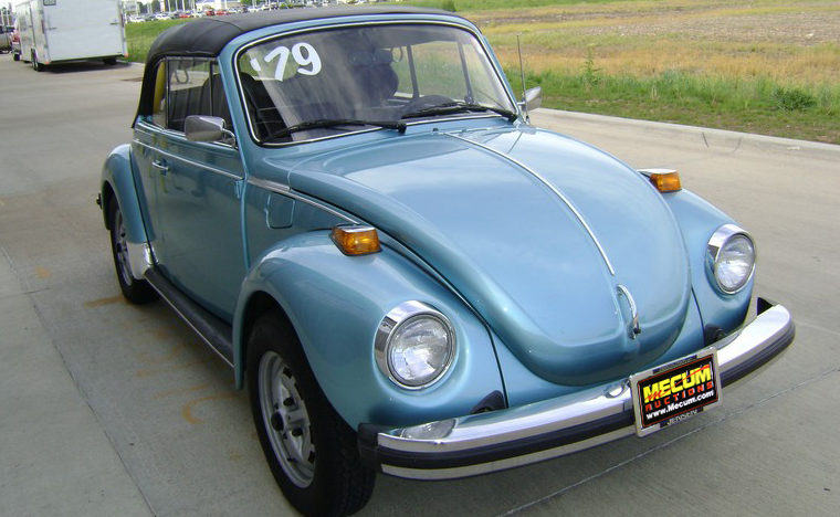 1979 Volkswagen Beetle Convertible 4-Speed presented as lot F223 at Kansas City, MO 2011 - image8