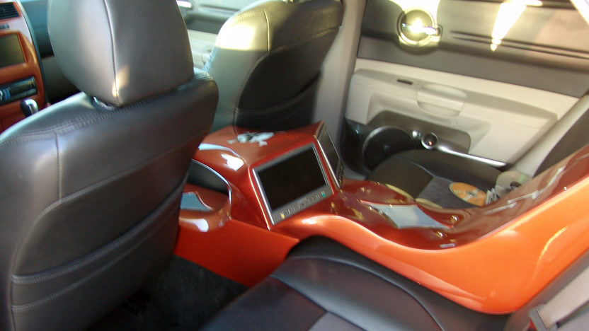 2005 Dodge Magnum Station Wagon presented as lot F241 at Kansas City, MO 2011 - image6