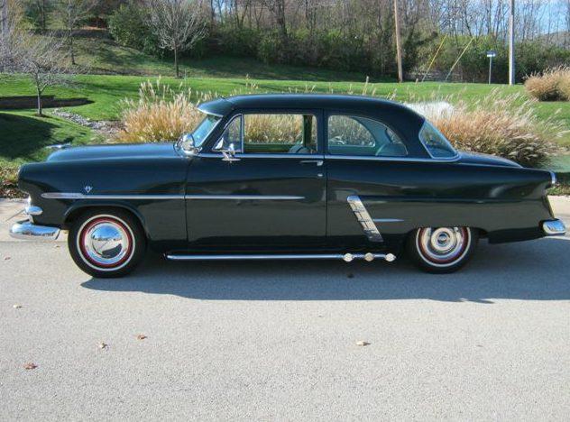 1953 Ford  2-Door presented as lot S2 at Kansas City, MO 2011 - image2