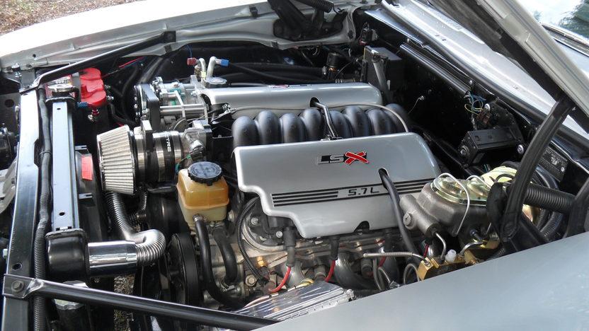 1969 Chevrolet Camaro RS/SS LS1 presented as lot S4 at Kansas City, MO 2011 - image5