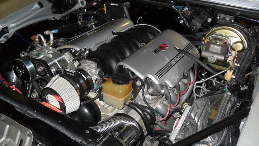 1969 Chevrolet Camaro RS/SS LS1 presented as lot S4 at Kansas City, MO 2011 - image6