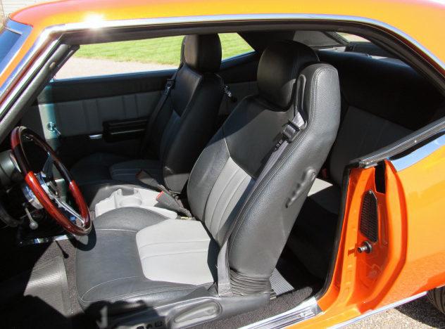 1968 Chevrolet Camaro 377/400 HP, 4-Speed presented as lot S8 at Kansas City, MO 2011 - image4