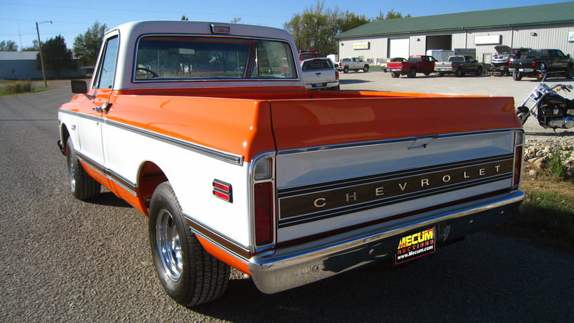 1972 Chevrolet Cheyenne Super Pickup 402/350 HP, Automatic presented as lot S15 at Kansas City, MO 2011 - image3