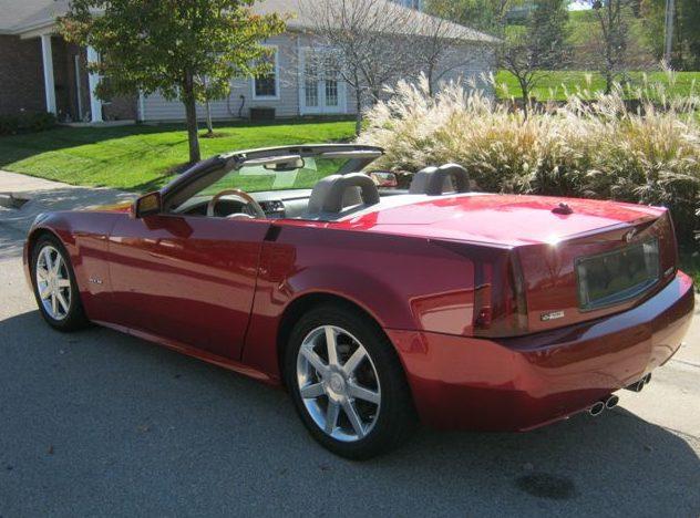 2004 Cadillac XLR 330 HP, Automatic presented as lot S21 at Kansas City, MO 2011 - image3