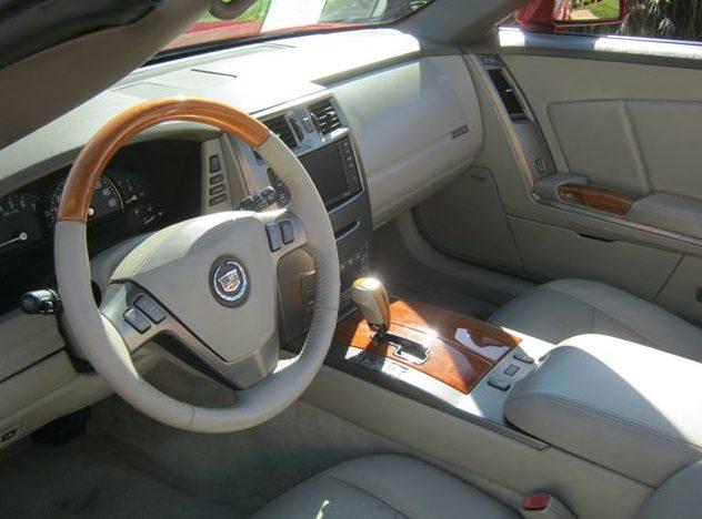 2004 Cadillac XLR 330 HP, Automatic presented as lot S21 at Kansas City, MO 2011 - image4
