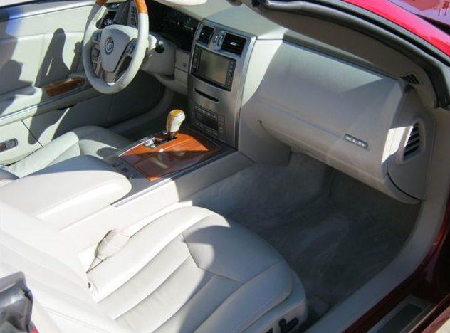 2004 Cadillac XLR 330 HP, Automatic presented as lot S21 at Kansas City, MO 2011 - image5