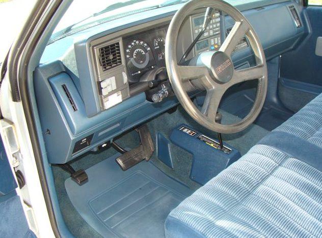 1990 GMC Sierra 1500 Pickup presented as lot S23 at Kansas City, MO 2011 - image4