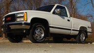 1990 GMC Sierra 1500 Pickup presented as lot S23 at Kansas City, MO 2011 - thumbail image2