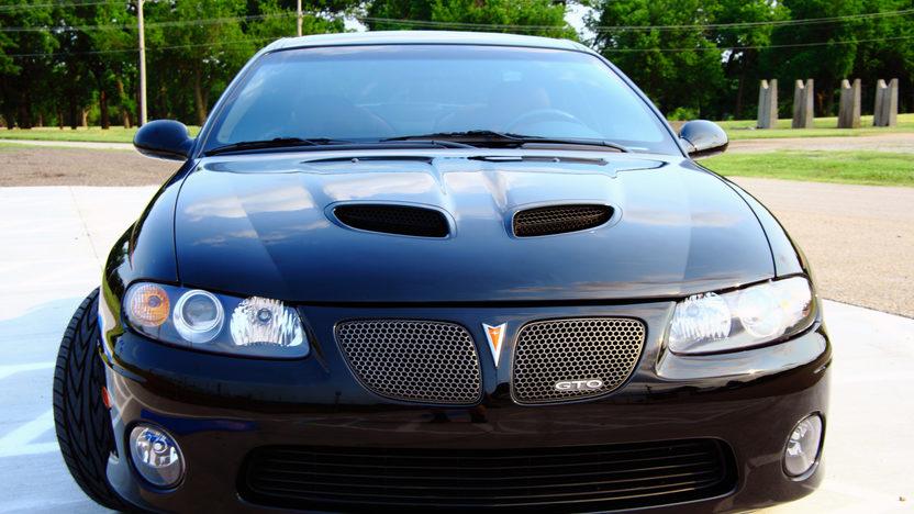 2005 Pontiac GTO LS2/650 HP presented as lot S25 at Kansas City, MO 2011 - image4