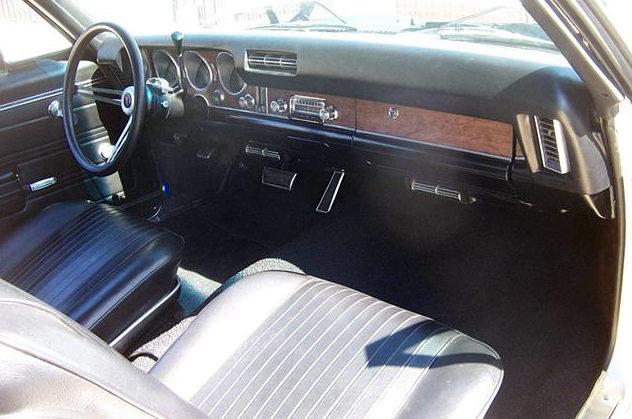 1968 Pontiac GTO presented as lot S39 at Kansas City, MO 2011 - image2