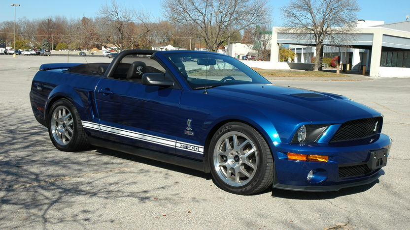 2008 Ford Shelby GT500 Convertible presented as lot S153 at Kansas City, MO 2011 - image3