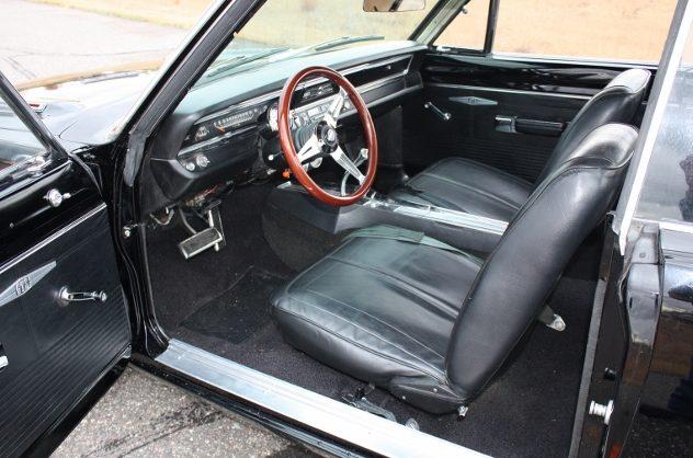 1968 Dodge Dart GTS presented as lot S186 at Kansas City, MO 2011 - image4